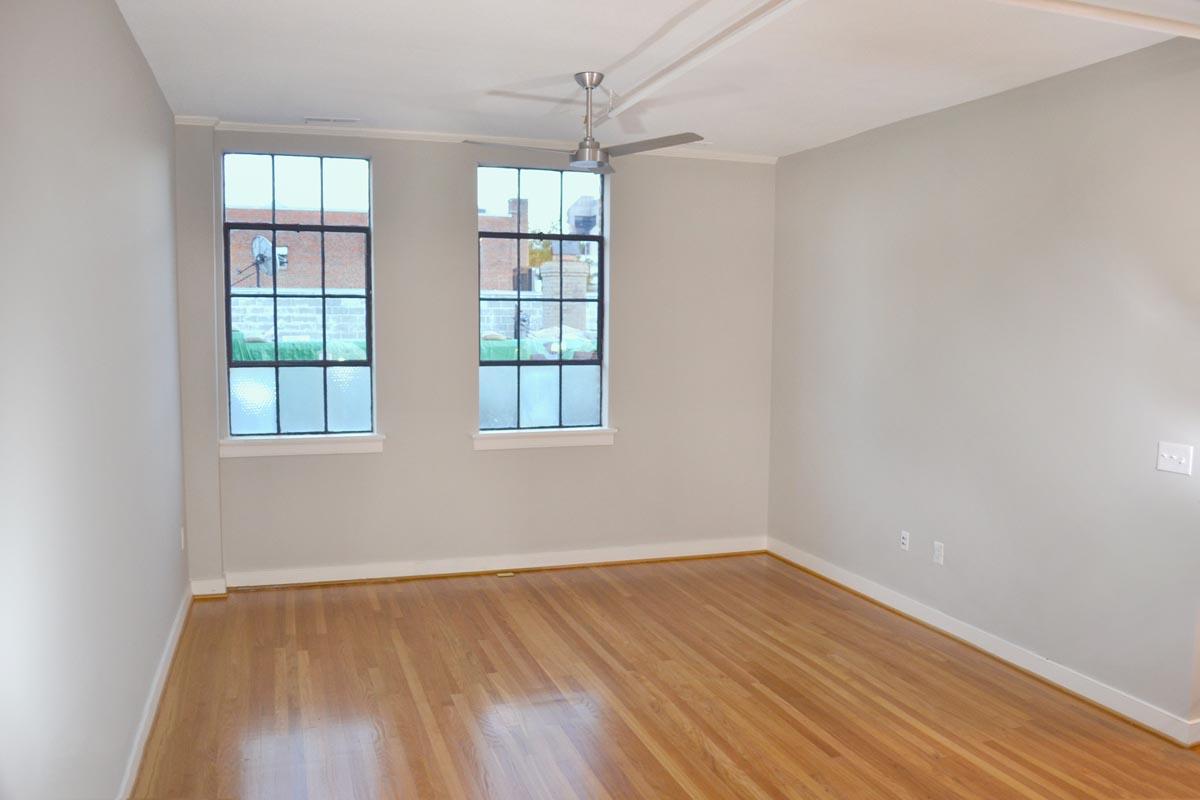 93-Octane-Apartment-Bedroom
