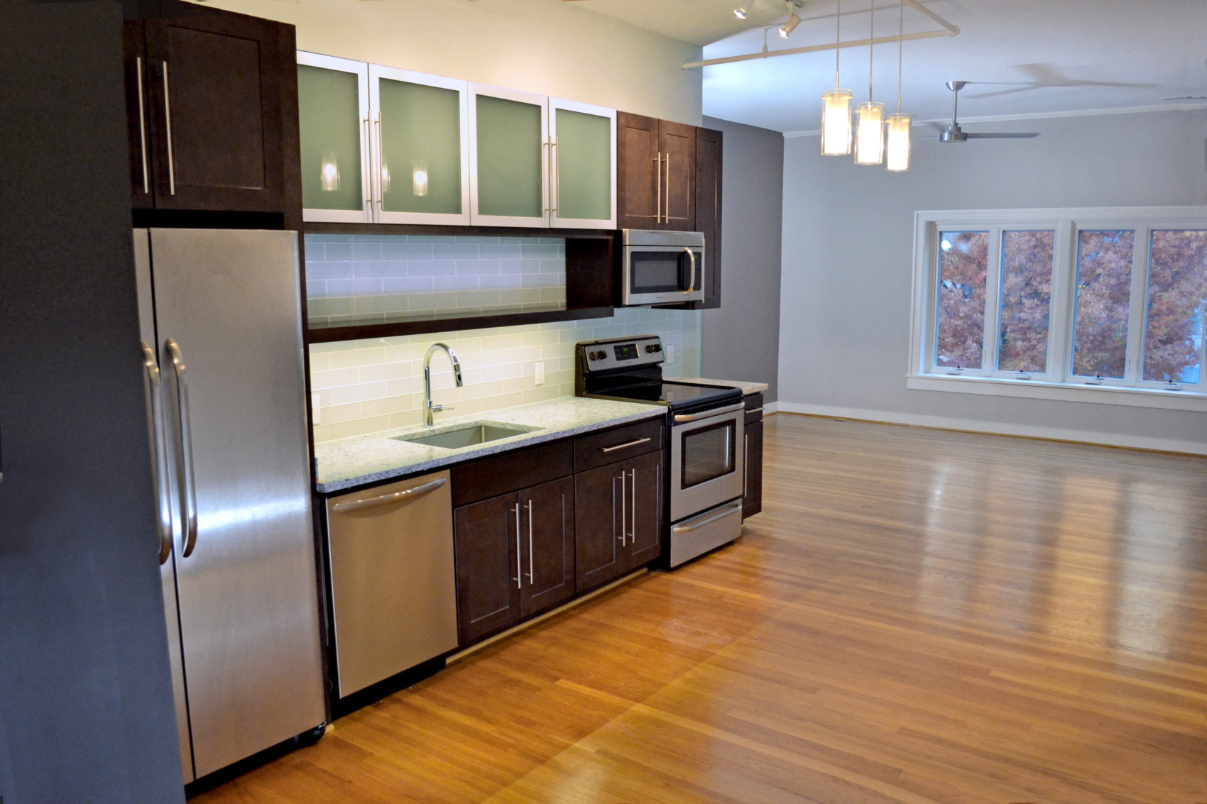 93-Octane-Apartment-Kitchen