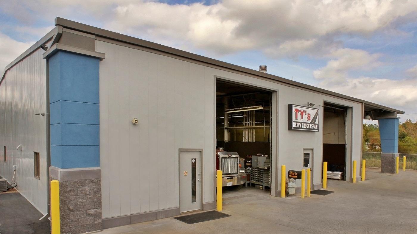Tys-Hauling-Heavy-Truck-Repair-Center